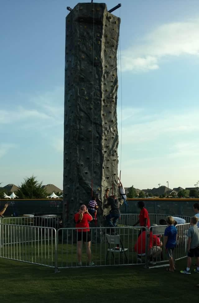rock climbing wall 32ft