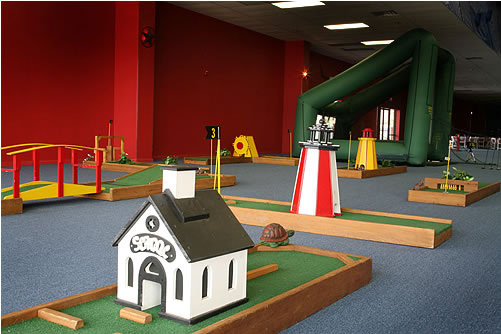 Mini Golf Masters - Putt Putt Rental