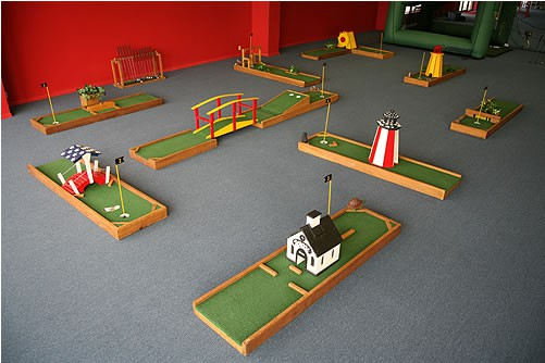 Mini Golf Masters - Party Rental