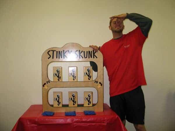 Stinky Skunk - Carnival Game